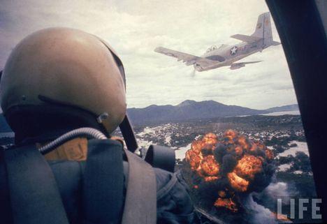 Napalm bombázók