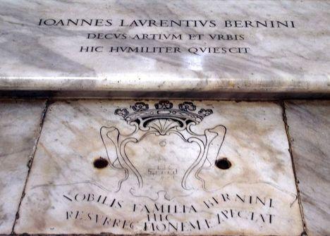 Bernini egyszerű sírja a Santa Maria Maggiore Bazilikában1