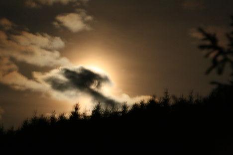 Különös alakú felhő
