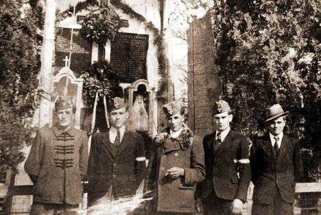 Régi harangláb, 1944, Mészáros Ernő, Kertész Lajos, Dobos László, Légrádi Vilmos, Dobos István