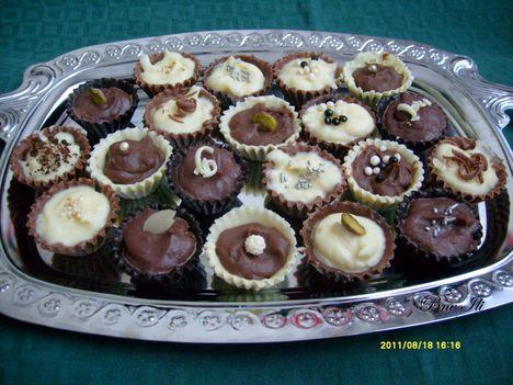 Csokoládékosárka csokikrémmel