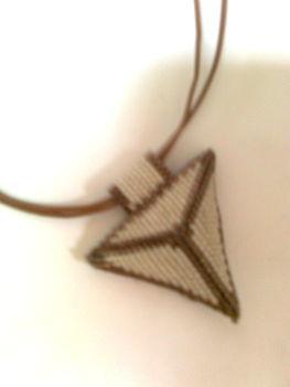 csodás háromszög medál