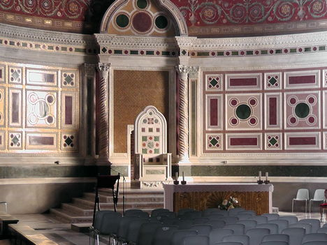 trón a lateráni bazilikában
