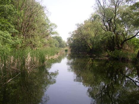 Nováki csatorna, Püski és Darnózseli községek közigazgatási határán