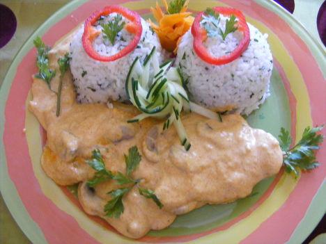 Gombás szelet rizzsel