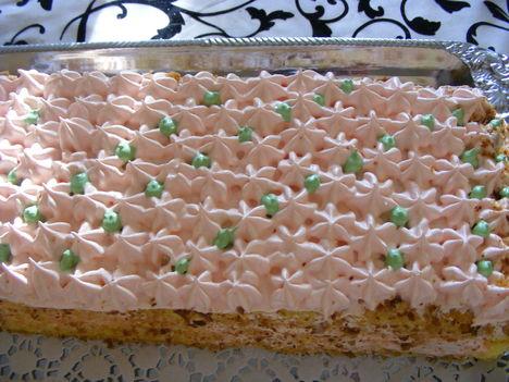 Még szeletlen őszibarack sütemény