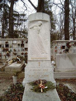 Huszka Jenő sírhelye