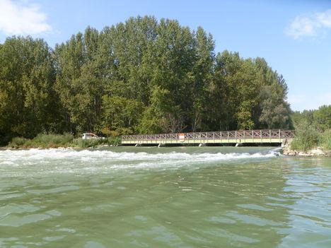 Cikolasziget, Hullámtéri vízpótlórendszer, B-4 jelű, ún. Kőhídi vízszintszabályozó műtárgy az alvízről, 2011. szeptember 14