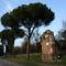 appia_antica_090Tomba di Marco Servilio vicino la cosiddetta Tomba di Seneca