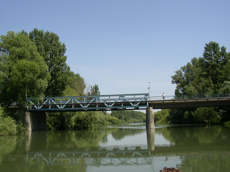 Kimle, Mosoni-Duna a Közúti hídnál, 2003. június 23.-án