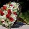Krém-bordó menyasszonyi körcsokor