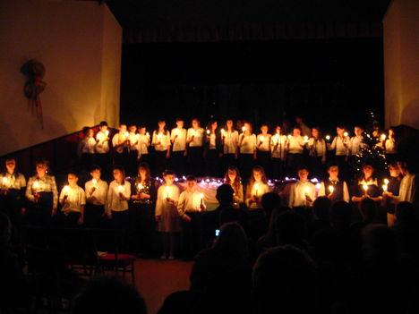 2008 Karácsonyi Iskolai Koncert Összkép