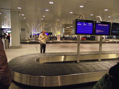 Csomagra várva....Zürich airport