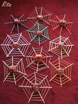 Gesztenyéből készült pókok