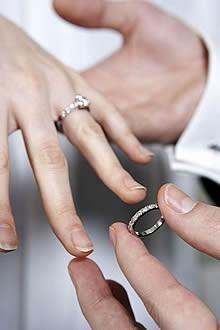Jeggyűrű, karikagyűrű 11