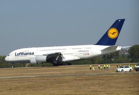 Itt a várva-várt Airbus A-380