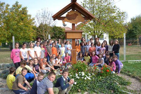 A darnózseli Szigetköz Körzeti Általános Iskola és Alapfokú Művészetoktatási intézmény tanulói