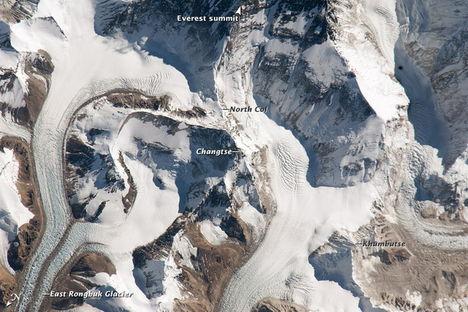 Mount Everest az űrből