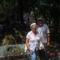 Szabó házaspár a hőségtől kitikkadva