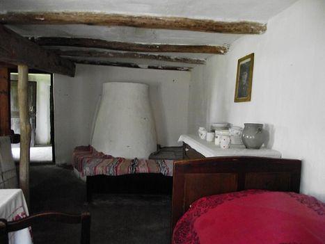 szoba, búbos kemencével