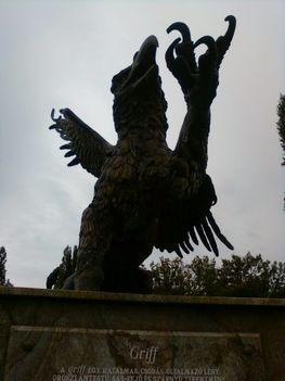 Budai temetőkben: Szt. Gellért Plébánia és Farkasrét 3
