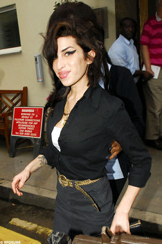 celebrities-amy-winehouse-951811