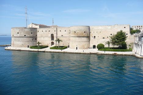 Taranto az Égei tenger olasz fővárosa 10