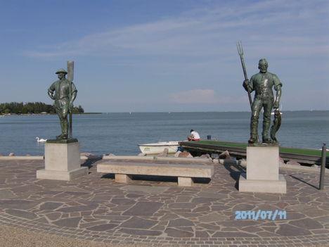 Halász és a révész szobra, Balatonfüred, móló