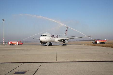 Leszállt az első repülő Quatarból