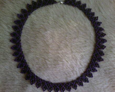Lila-fekete nyaklánc