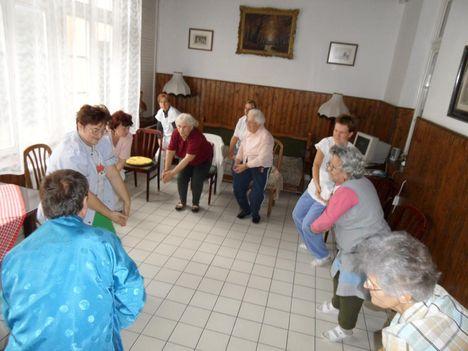 Áhi jóga az egészség megőrzésében Komárom Idősek otthonában
