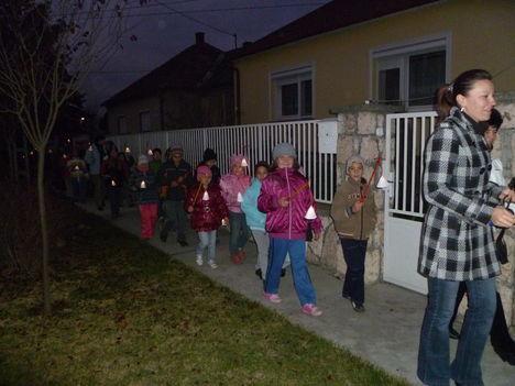 Máriakálnok, Márton- nap, Az iskolások lámpás felvonulása 2011. november 11.-én