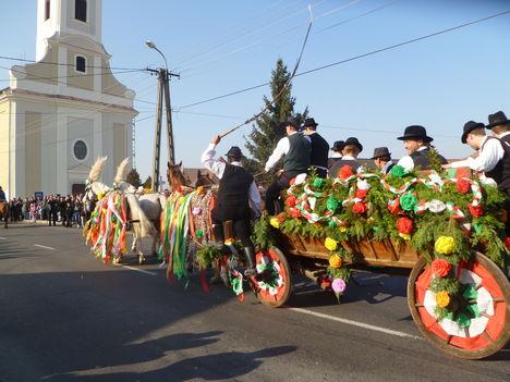 Halászi, A csingislovak felvonása, Szent Márton napi búcsú, 2011. november 13.-án