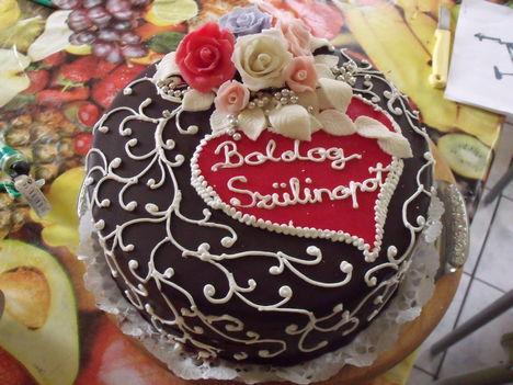 Csoki szülinapos torta