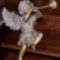 Trombitás angyal szobor