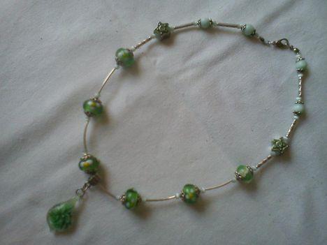 zöld pandora muránói medállal