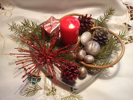 karácsonyi asztaldisz