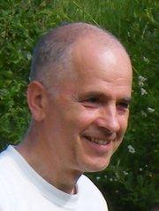 dr. Timcsák M. Géza - a klasszikus jóga tolmácsolója  Európában élők részére