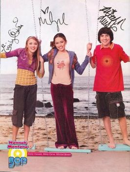 220_hannah_montana_rare_full_cast__3__signed_8x10_wow____5b1_5d