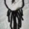 Fotó563 Fekete lánc sajnos a gyöngyök eléggé vegyes méretűek