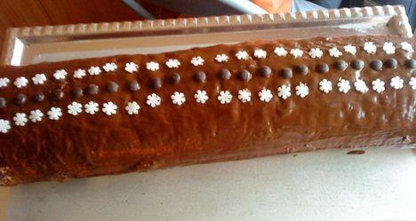 Csokis piskótatekercs