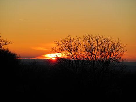 2011. december 31. Az év utolsó fotója. Napnyugta Somogyban.