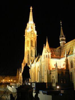Mátyás templom díszkivilágítás