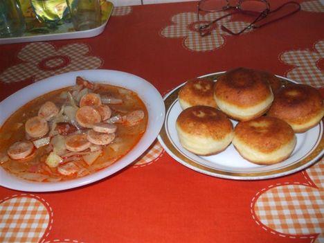 Mai ebéd: Édes káposzta leves,és burgonya fánk