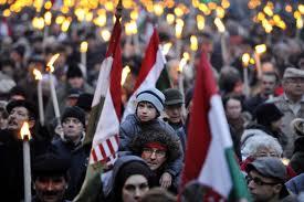 Százezres kormánypárti tüntetés Budapesten 12