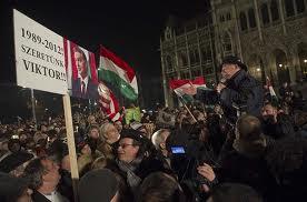 Százezres kormánypárti tüntetés Budapesten 1