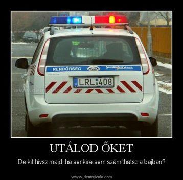 W rendőr auto