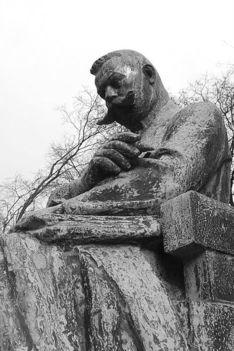 Pósa Lajos szobra