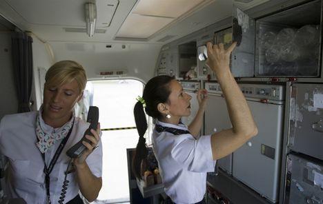 2011. légikisasszonyok készülődnek a felszálláshoz