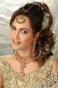 Keleti hercegnők esküvői díszben 02